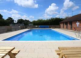 Campsites with swimming pools in suffolk - Suffolk hotels with swimming pool ...