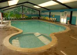 Campsites with swimming pools in the east of england - Campsites in norfolk with swimming pool ...