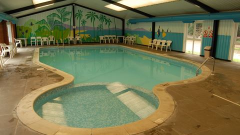 Forest park in cromer norfolk - Campsites in norfolk with swimming pool ...