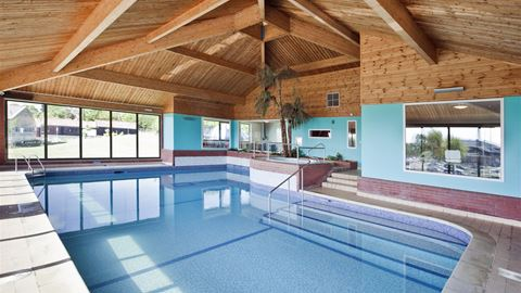 Waveney river centre in beccles norfolk - Campsites in norfolk with swimming pool ...
