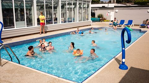 Manor park holiday park in hunstanton norfolk - Campsites in norfolk with swimming pool ...