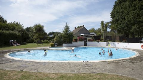 Adgestone camping and caravanning club site in adgestone isle of wight for Isle of wight campsites with swimming pool