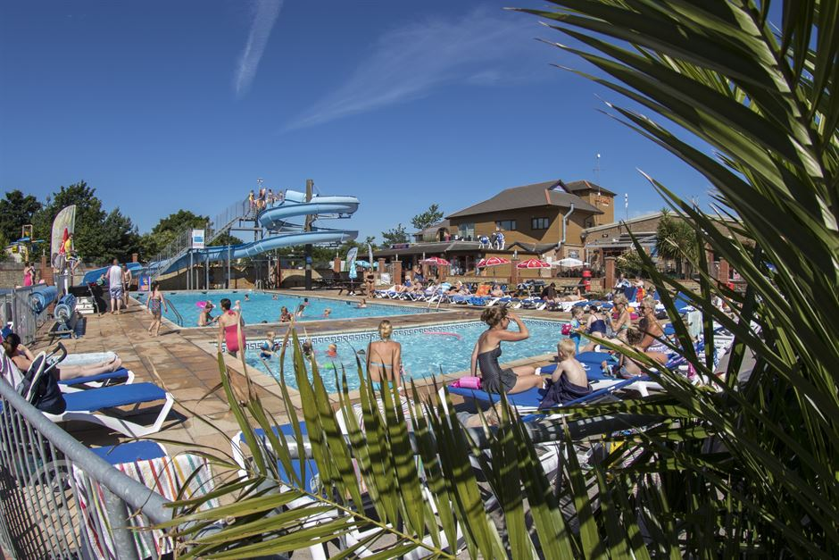 Lady 39 s mile holiday park in dawlish warren devon for Camping in devon with swimming pool