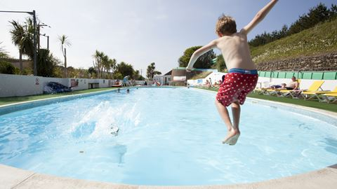 Holywell bay holiday park in newquay cornwall - Whitefish bay pool open swim hours ...