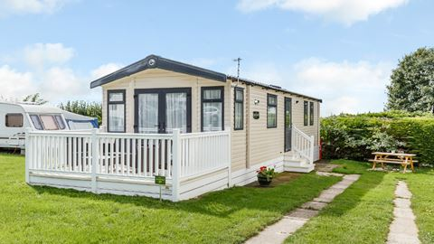 Bucklegrove holiday park in cheddar somerset - Holiday homes in somerset with swimming pool ...