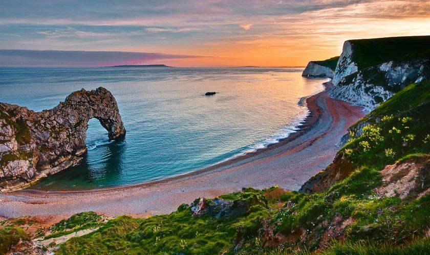 Durdle Door in Dorset & Our top 10 Dorset tourist attractions
