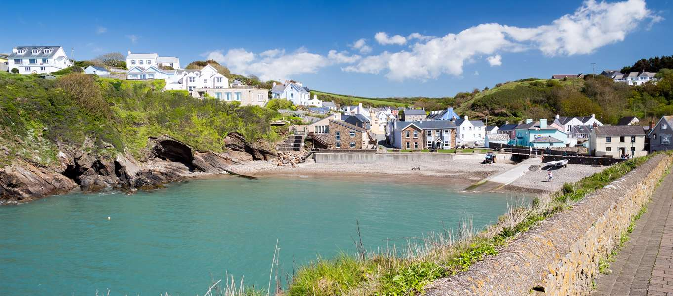 Campsites with swimming pools on the pembrokeshire coast Lake district campsites with swimming pool